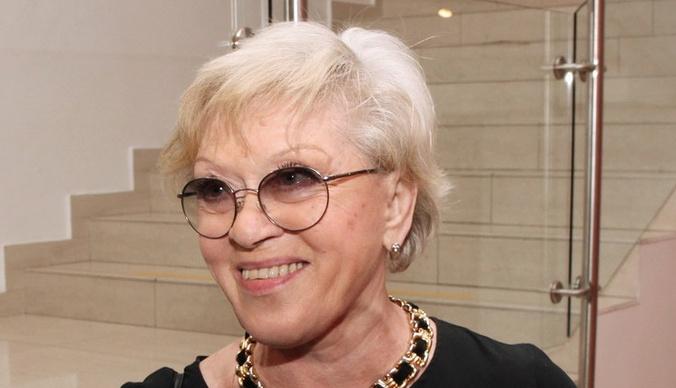 Внучка Алисы Фрейндлих родила первенца