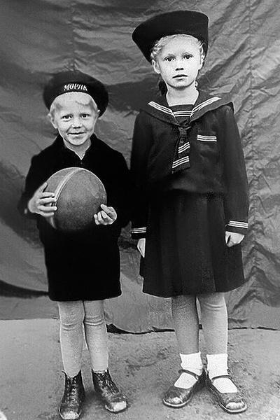 Надежда Бабкина с детсва была очень близка с братом