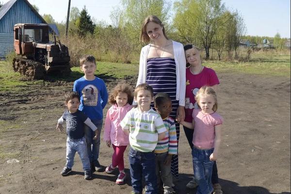 Татьяна относится ко всем детям в семье как к семье