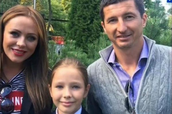 Юлия Началова и Евгений Алдонин с дочкой Верой