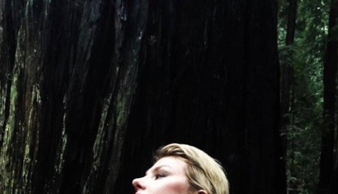 Рената Литвинова обескуражила обнаженным снимком