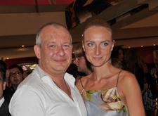 «Я переживаю за себя»: незнакомцы угрожают вдове Дмитрия Марьянова плеснуть кислотой в лицо