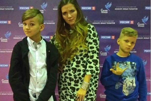 Анастасия Веденская с сыновьями