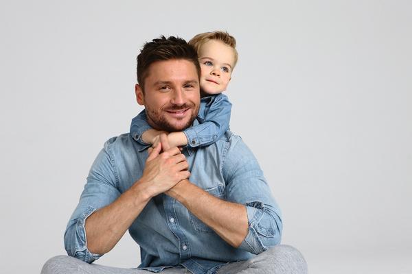 Лазареву 2,5 года удавалось скрывать, что он стал отцом
