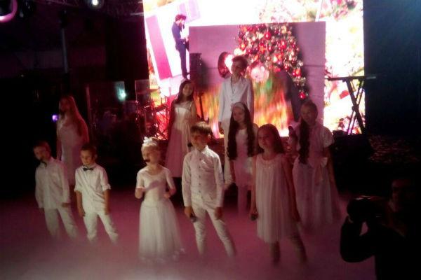 Дети из академии Яны Рудковской подарили гостям незабываемое выступление