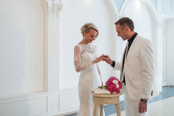 Домнина и Костомаров обменялись кольцами