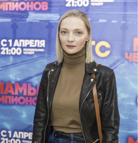 Екатерина Вилкова поделилась снимками сына из роддома в день его рождения