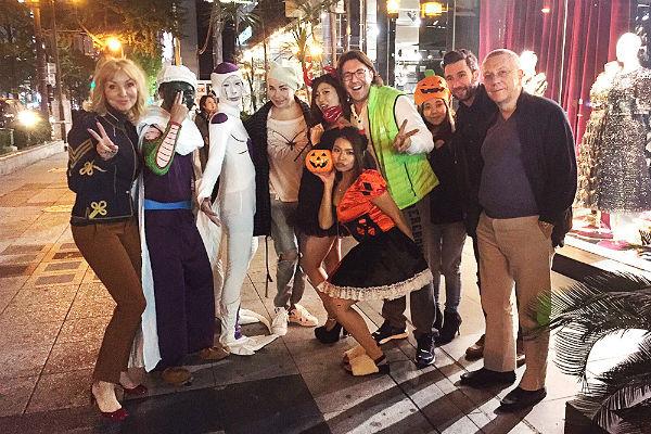 Наша дружная команда пополнила ряды хеллоуинцев