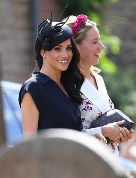 Герцогиня свободно общалась с другими гостями