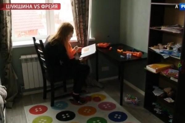 В детской сына Анны Трегубенко много книг и развивающих игр