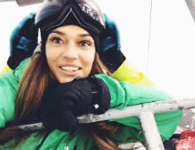 Алена Водонаева встала на сноуборд