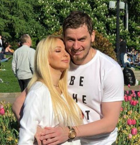 Лера Кудрявцева с супругом