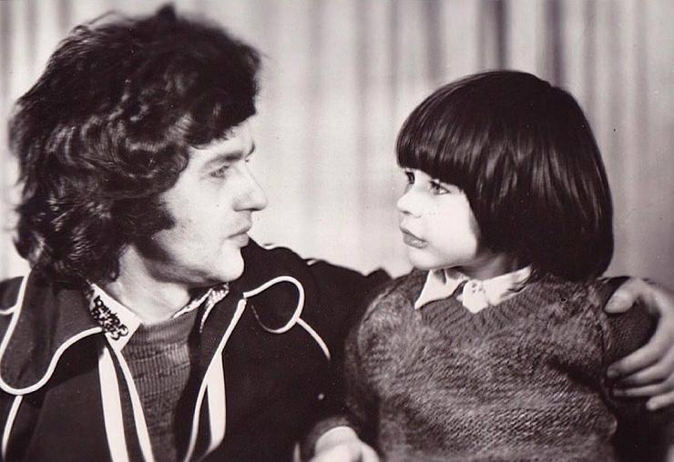 Александр с детства приучал сына к музыке