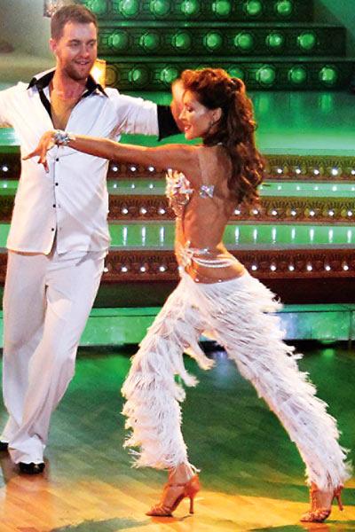 Поклонникам казалось, что между Еленой и ее партнером по шоу «Танцы со звездами» Андреем Карповым – настоящая страсть