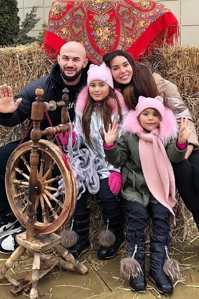 Оксана Самойлова и Джиган проводят много времени с детьми