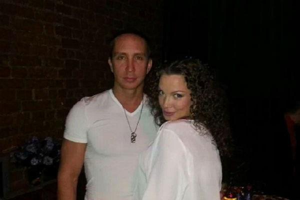 Певец Данко с супругой Наталией