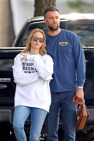 Дженнифер Лоуренс и Кук Марони зарегистрировали отношения в сентябре