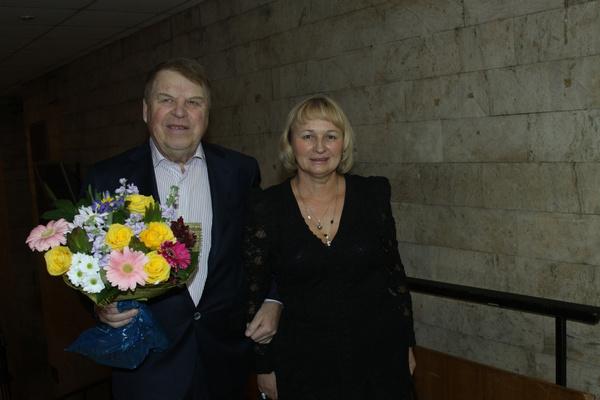 Третья супруга актера живет во Владимире, где занимается бизнесом