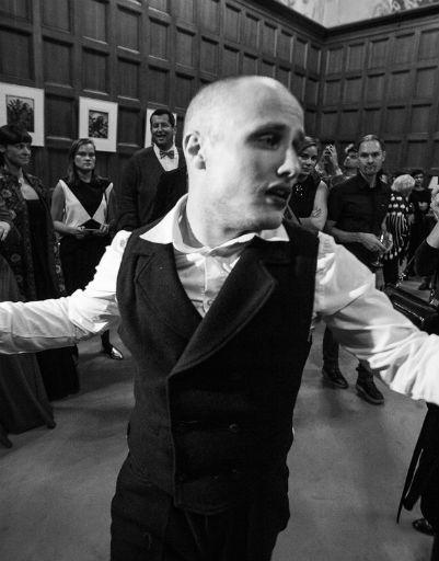 Ведущий актер Гоголь-центра Никита Кукушкин представил гостям презентации моноспектакль-квест