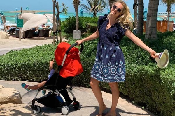 Янина Студилина отдыхает в Дубае с семьей