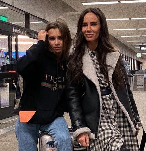 Василиса с мамой Сашей Зверевой