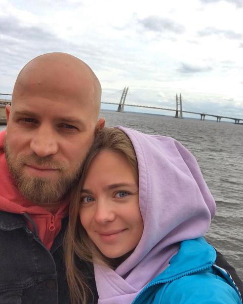 Карина и Егор скрывали скорое прибавление в семье
