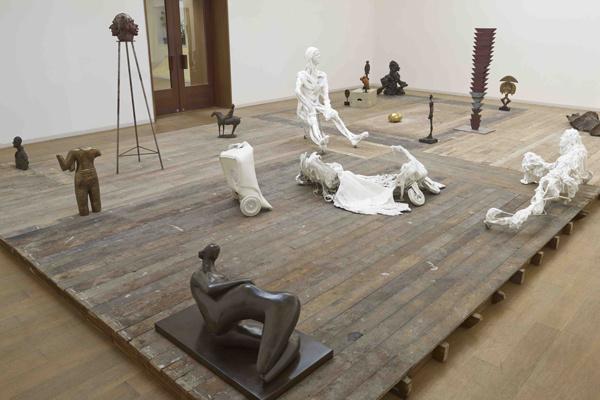 «Снова больше вещей (разрушение плиты)» Майк Нельсон, коллекция фонда V-A-C