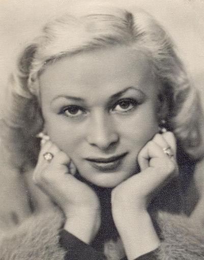 Одно из самых известных фото Валентины Серовой