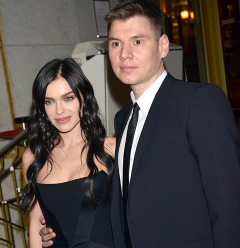 Елена Темникова официально представила мужа публике