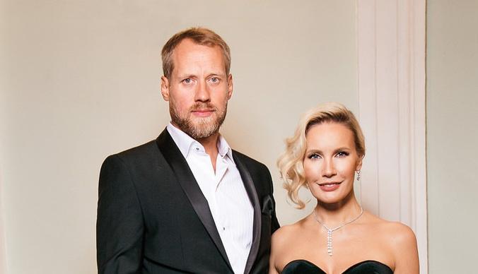 Романтический ужин и плавание со скатами: как Елена Летучая отмечает годовщину свадьбы