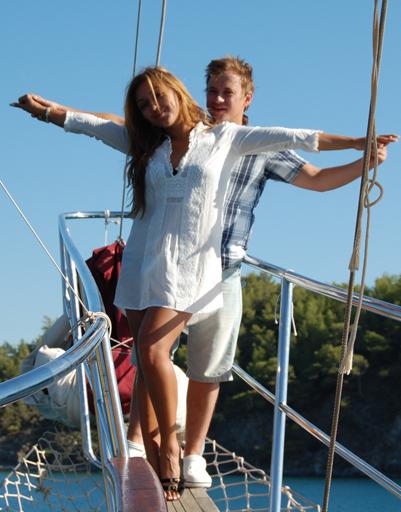 Андрей Гайдулян отправился с любимой девушкой Дианой в Кемер