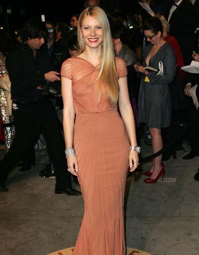Гвинет Пэлтроу вышла в 2007 году на ковровую дорожку в персиковом платье от Zac Posen