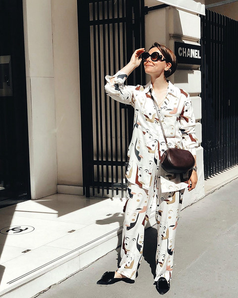 Татьяна, любительница дорогих брендов, устроила прогулку по модным бутикам