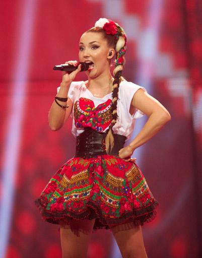 Клео - Польша