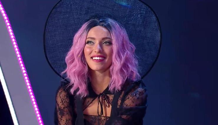 Телеведущая также появилась с новым цветом волос