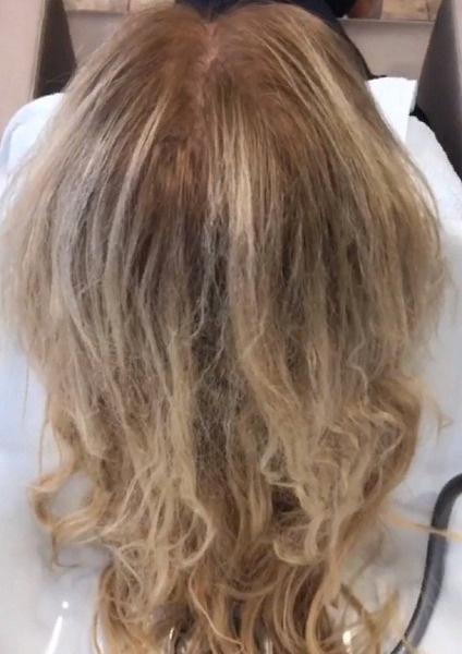 Теперь волосам Борисовой предстоит долгое восстановление
