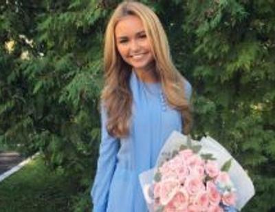 Стеша Маликова спустила 1000 долларов на школьное платье