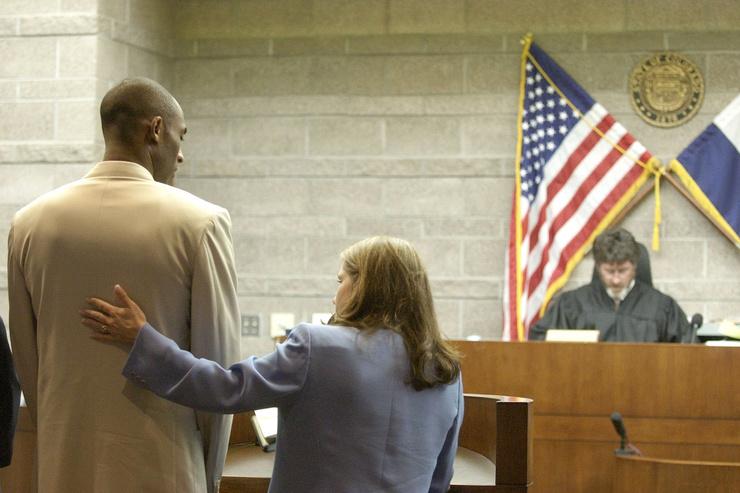 Брайанта обвиняли в изнасиловании 19-летней Кэйтлин