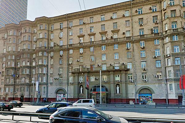 Весной Татьяна не только встретила нового мужчину, но и купила квартиру на третьем этаже в этом доме на Беговой