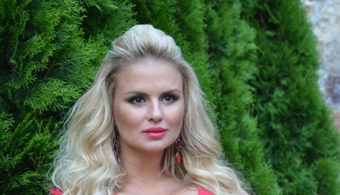 Анна Семенович сменила имидж