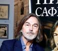 Никас Сафронов начал ремонт в затопленной студии