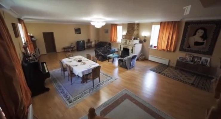 Раньше комната выглядела так