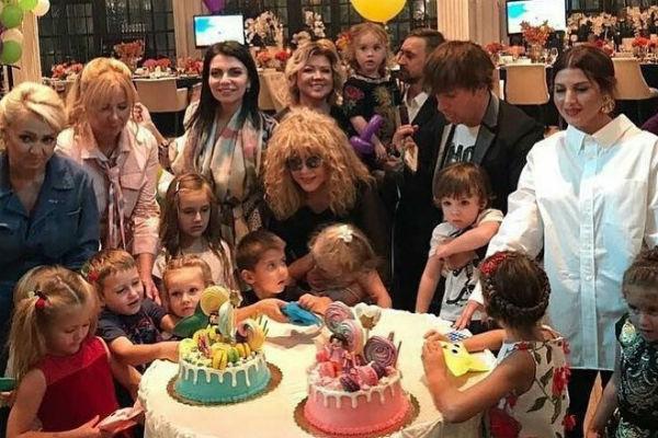 На дне рождения близнецов в прошлом году присутствовали многочисленные звездные гости