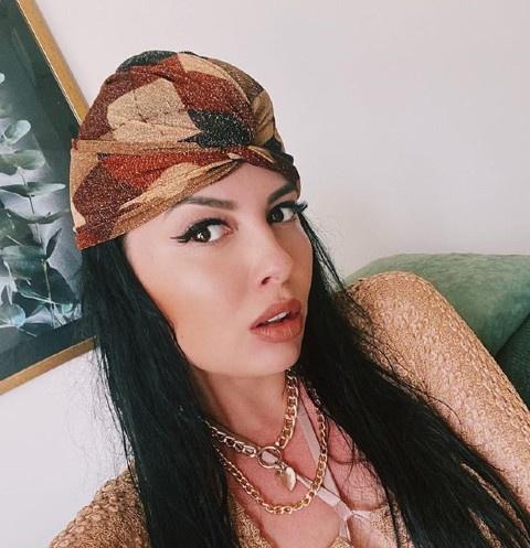Нелли Ермолаева
