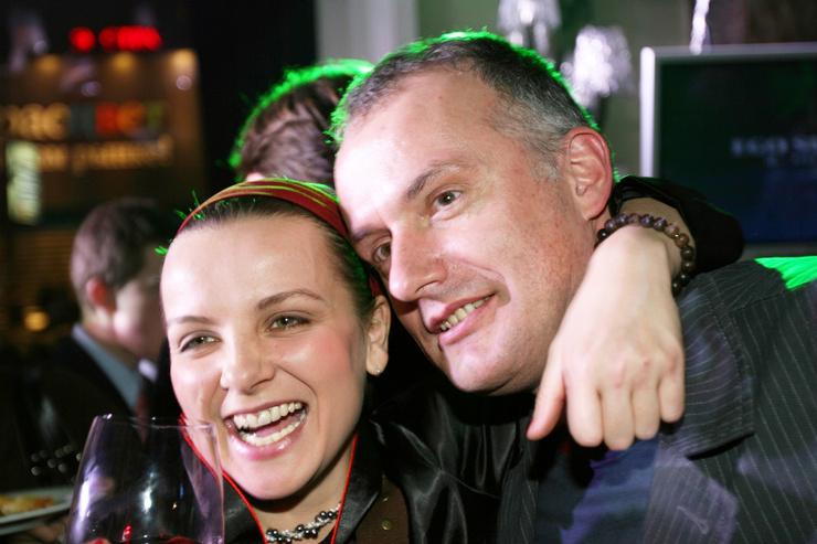 Через год после начала сотрудничества с Машей Олег Нестеров стал главой рекорд-лейбла «Снегири-музыка»