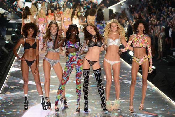 Тела меняются до неузнаваемости: ретушер Victoria's Secret о закулисье своей работы