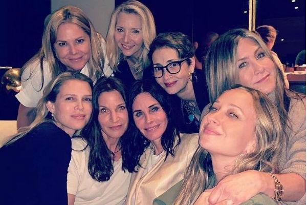 Голливудская актриса предпочитает отдыхать с подругами