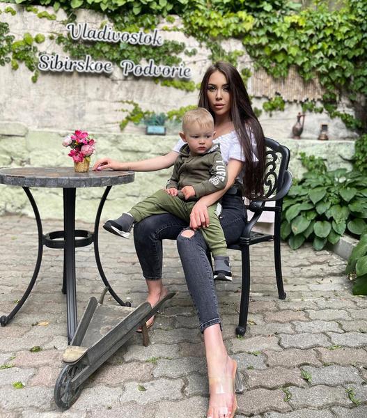 В свое время у Алены не сложились отношения с отцом Богдана — Ильей Яббаровым