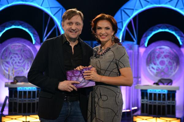 Артем Михалков с ведущей программы Эвелиной Бледанс