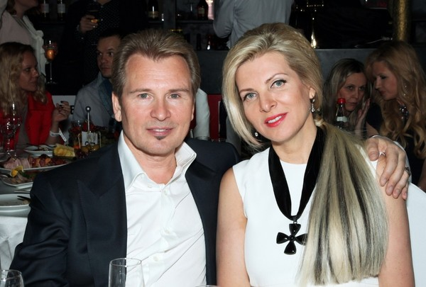 Александр Малинин с третьей женой Эммой